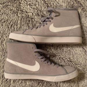 High Top Women's sz 10 NIKE Grey/White Sneakers